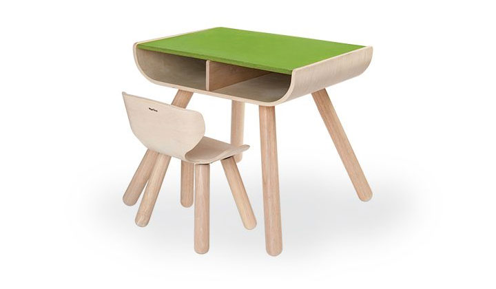 plantoys table and chair
